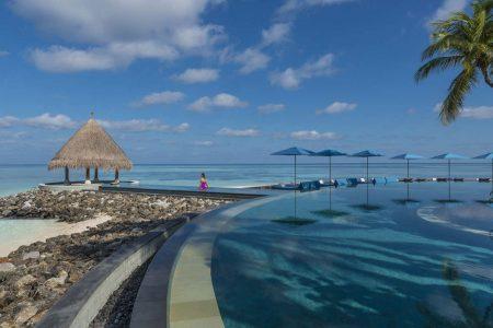 FOUR-SEASONS-RESORT-MALDIVES-AT-KUDA-HURAA