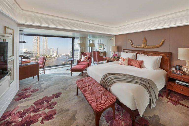 Mandarin_Oriental_bangkok-20-suite-premier-bedroom