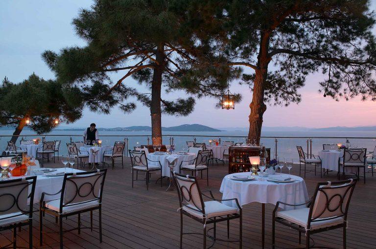 Eagle_Palace_Kamares-Restaurant-(3)